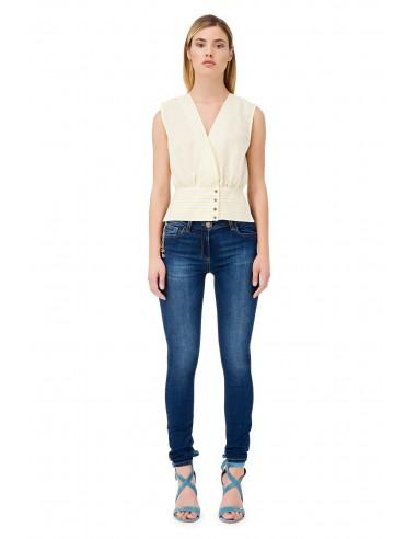 Jeans con cadenas y colgantes -...