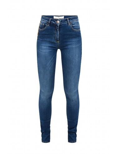 Jeans con cadenas y colgantes - Elisabetta Franchi - pj03S81e2_139