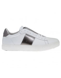Sneakers in White / Silver - Stokton