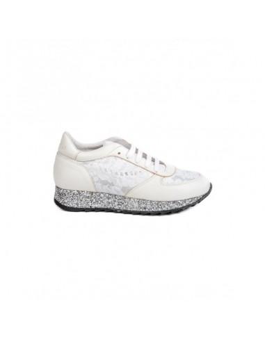 Sneakers in wit met kant - Stokton