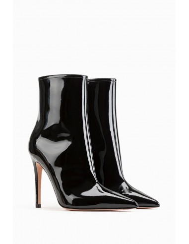 Laminated boots with deep cut