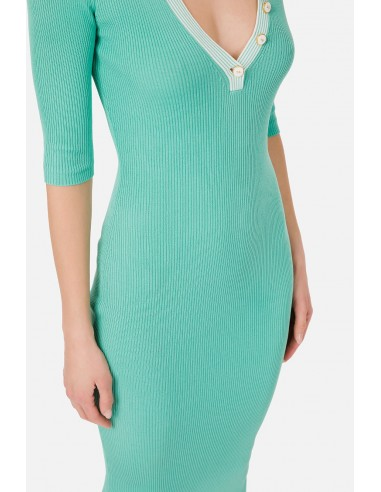 Ribbed knit dress with buttons