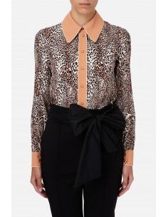 Blouse with animalier print...