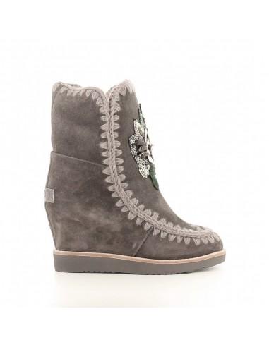 Stiefel mit French Toe Wedge und Flower Patch - MOU - 8.14_fteskiflow_charc