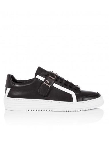 Philipp Plein Low Sneaker com letras Big Plein em altamoda.shop
